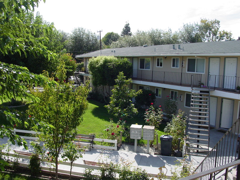 Silicon Valley Multifamily Group Facilitates the Sale of a 20-Unit Apartment Complex in Santa Clara @ $300,000 Per Door
