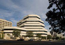 Hines, Oaktree Capital Management, Ygnacio Center office complex, Walnut Creek, La Salle Investment Management, Eastdil Secured, AXA Group