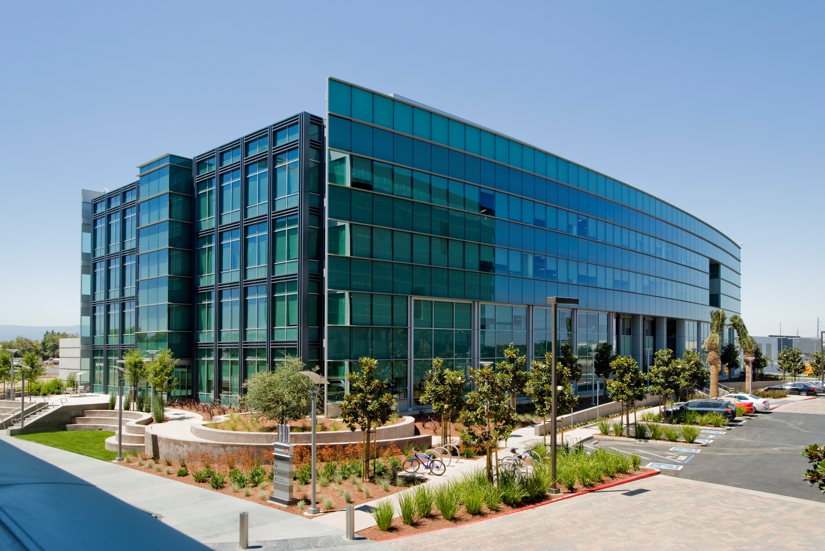 brocade corporate headquarters site in san jose up for